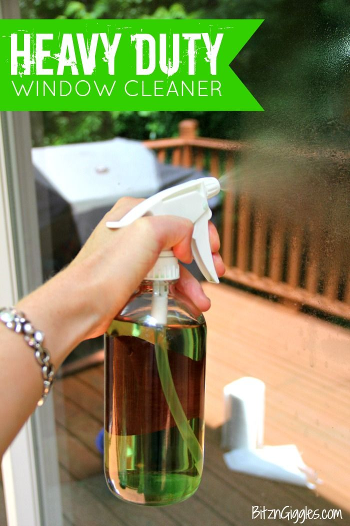 Heavy Duty Homemade Window Cleaner - a 3-ingredient DIY window cleaning solution perfect for dirty outdoor windows and glass surfaces!