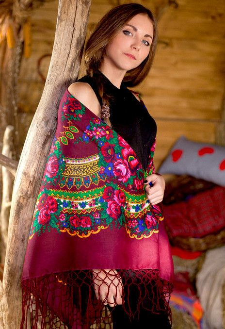 "Ukrainian shawl ""Hustka"". Maroon. Large"