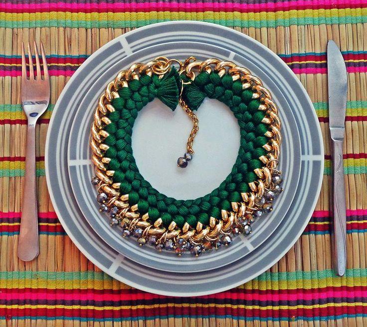 - 'Dinner is served' Fire de Murg necklace -