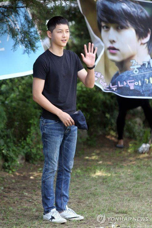 Song Joong Ki's enlistment *33