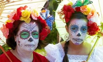 The History Behind Sugar Skull Face Painting: Dia de los Muertos