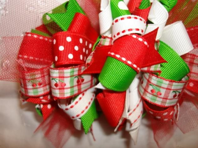 How to Stiffen Hair Bows - InfoBarrel: How To Stiffen Bows, Bows Headbands, Hairbows Diy Bowmak, Bows Flowing, Make Hair Bows, Boutiques Bows, Christmas Hairbows Diy, How To Stiffen Hair Bows, Hair Accessories