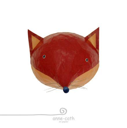 Ce renard est entièrement réalisé à la main en papier collé, sans aucune peinture. Sa forme creuse lui assure une grande légèreté tout en restant très résistant grâce - 5624961