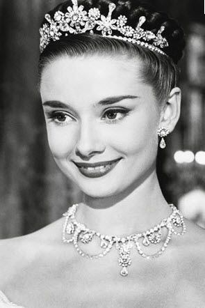 Audrey Hepburn... Roman Holiday... Love her voice. one of my fav movies