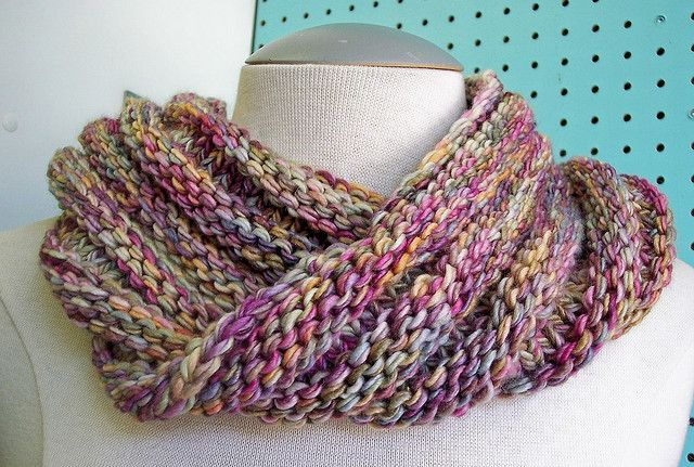 free easy mobius cowl pattern knitting patterns Pinterest