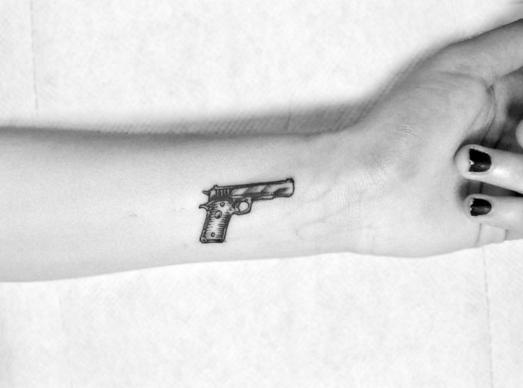 Gun tattoos | ▲Victoria Nicol ▼