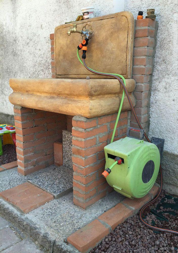 Lavello per esterno in pietra ricostruita su misura, colore old stone. Località: Massalengo (Lodi).