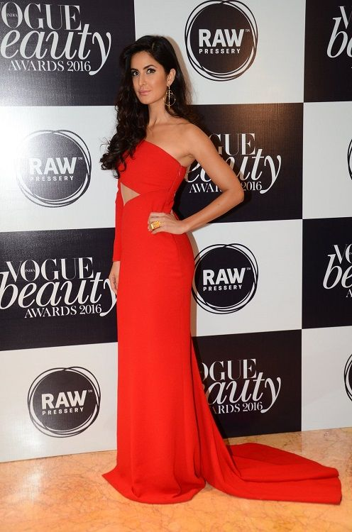 Katrina Kaif Mahira Khan Parineeti Chopra Radhika Apte  whose outing at Vogue Beauty Awards made you go GAGA?