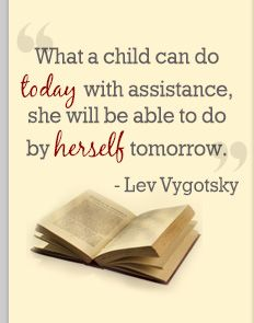 De zone van de naaste ontwikkeling. Een kind kan in deze zone een taak al bijna autonoom uitvoeren. Als leerkracht, ouder of leeftijdgenoot biedt jij de informatie of feedback die nodig is om de taak af te maken. Lev Vygotsky #quote #levvygotsky
