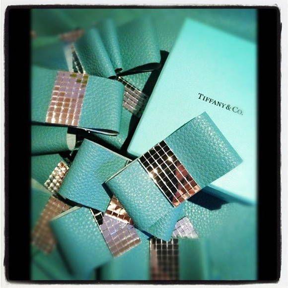 Porta Guardanapo com Couro na cor Tiffany e Espelho.  Lindo e moderno, para uma festa decorada com elementos na cor Tiffany.  Pedido Mínimo: 30 unidades R$ 3,79