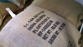 Al centro del nostro brand c'è prima di tutto il nostro caffè. Possiamo offrire ai nostri clienti oltre trenta tipi di caffè diversi, proveniente da tutte le parti del mondo, oltra a dieci miscele studiate da esperti, fatte con i migliori caffè in circolazione, mixati in modo da ottenere blend capaci di soddisfare qualsiasi esigenza del palato. www.linoscoffee.com