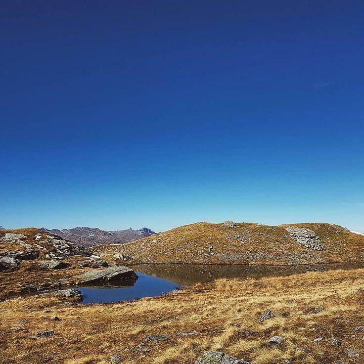 Relax by hiking. #samwandert