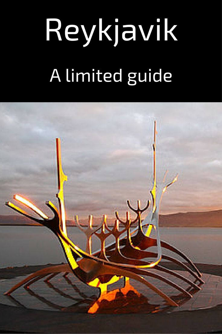Travel Guide Iceland : Plan your visit to Reykjavik, the capital city. Do not miss the famous Sun Voyager sculpture at sunrise or sunset - many photos in the post