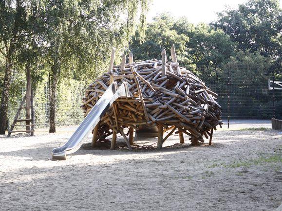 Berlin-Spandau, öffentlicher Spielplatz 2009 playscape