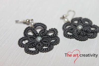 Orecchini a chiaccherino grigi a forma di fiori. #orecchini #chiaccherino #flower #tatting