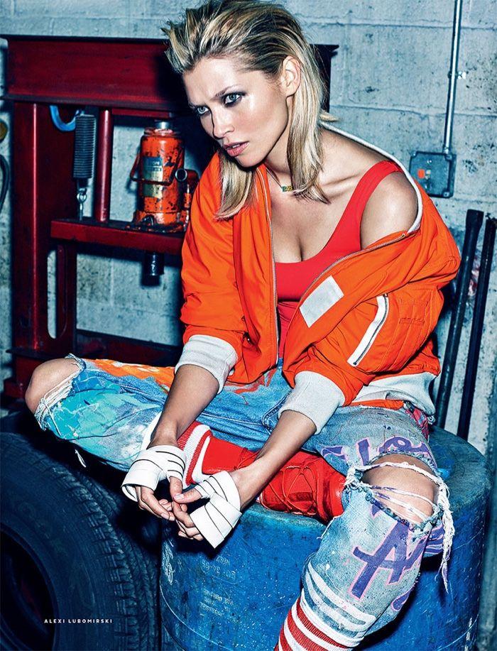 Hana-Jirickova-Garage-Fashion-Editorial-Vogue-Russia03