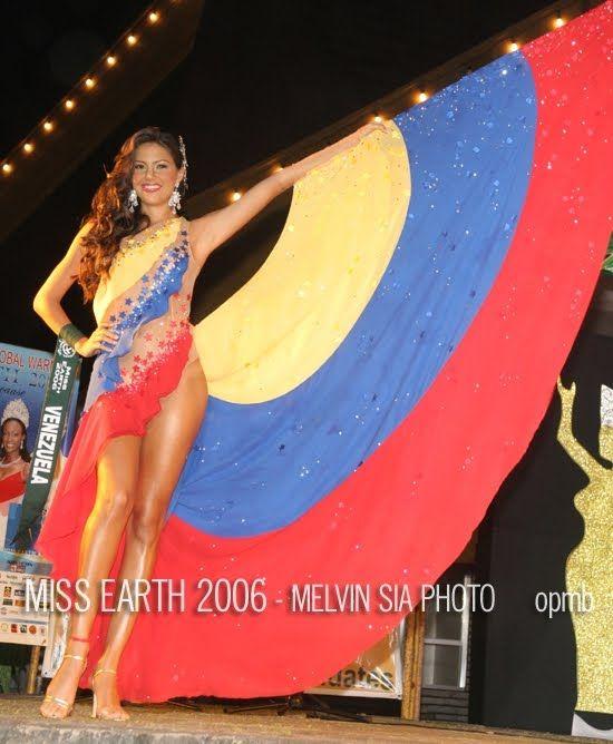 Traje típico inspirado en la Bandera de Venezuela - para Marianne Puglia, en el Miss Tierra 2006 con una belleza la verdad...