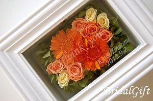 ご両親様への贈呈品☆ガラスフレームアレンジ/メッセージ入り☆写真をクリックするとピンクバージョンが見られます。