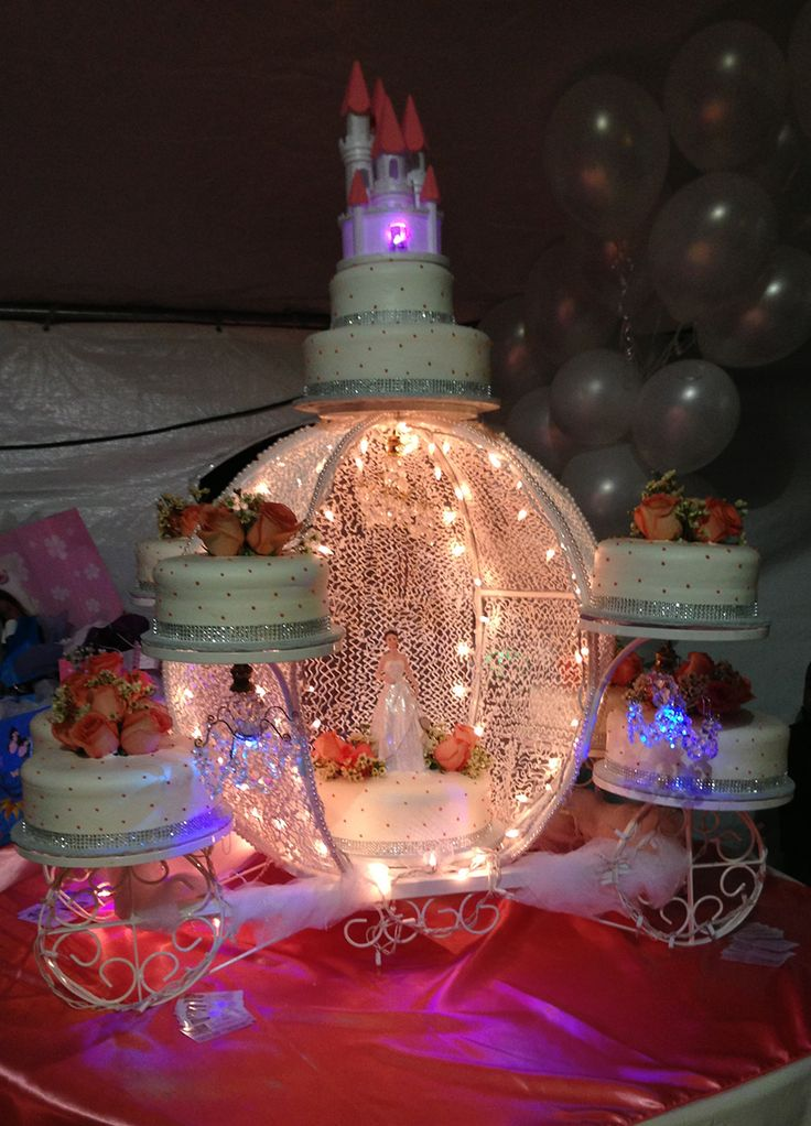 Quinceanera Carriage Cake Stands