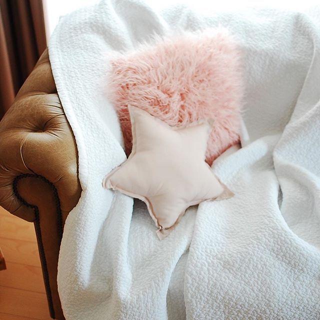 https://passport.theshop.jp *  #mylittlepassport#bed#bedroom #bedtime #cushion #寝室#ベッドルーム#インテリア#イブル#ベビーイブル#キルティングマット#roses#simple#ベッドカバー#子供部屋#子供部屋インテリア#キッズルーム#kidsroom#christmas #christmasdecorations #リース#クーファン#ベビー#baby#赤ちゃん用品 #赤ちゃん#astier#アスティエ#クリスマスデコレーション#マイホーム