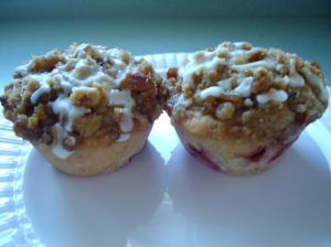Strawberry Muffins with Streusel Topping   Muffins, Streusel topping ...
