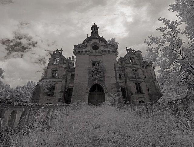 Chateau de la Mothe-Chandeniers front   Flickr - Photo Sharing!