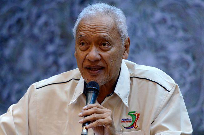 Cerdik pandai PAS 'disembelih' anggota parti sendiri, kata Mat Taib - http://malaysianreview.com/126218/cerdik-pandai-pas-disembelih-anggota-parti-sendiri-kata-mat-taib/