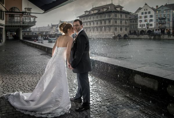 A premier, invitation-only membership site for the world's top wedding photographers. Best of Wedding Photography uses a rigorous peer review system to ensure high standards. Every invitation means that a photographer has been recognized by peers as being one of the best wedding photographers in the world.