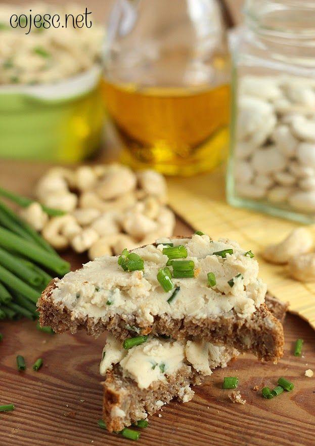 Pasta kanapkowa z białej fasoli, orzechów włoskich i szczypiorku