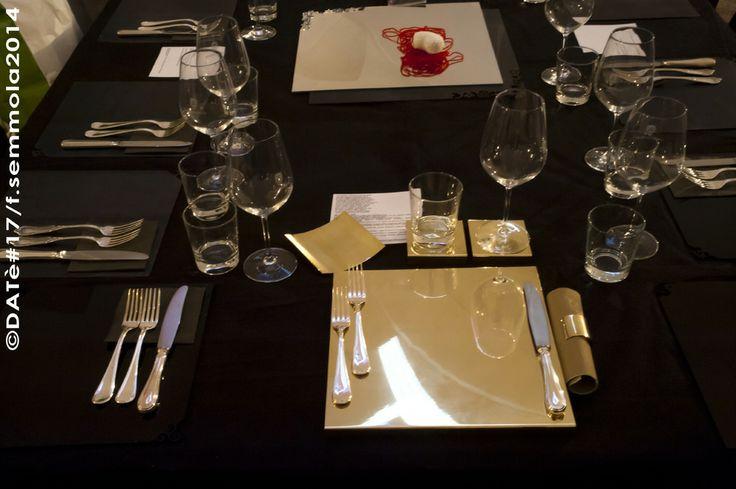 Set da tavola, 2006 - giulia bonelli Rispetto dell'ambiente/ rispecchio dell'ambiente. L'ambiente è alla base del progetto Set da tavola