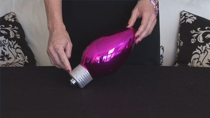 Video: How to Make a Decorative Centerpiece With a Large Glass Bowl
