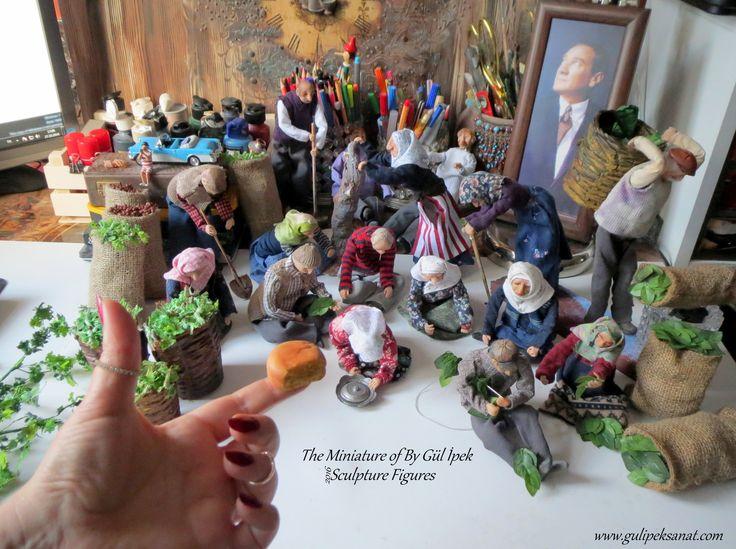 Handmade figures for the Trabzon diorama made of polymer clay.Tamamı el yapımı Trabzon dioraması figür ve kostüm çalışması .By Gül ipek scale 1:10 #diorama #art #handmade #polymerclay #fimo #clayart #sculpture #figures #gulipeksanat #trabzon #tütüncülük #fındıkçılık #müze #museum #figür #60s #tabacco #hazelnut #miniature #minyatür #mini #scale #canlandırma #texture #karadeniz #painting #desinger #modelmaking