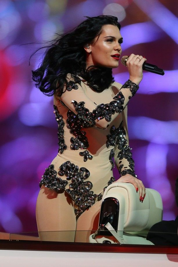 The Stunning Outfits of the 2012 Olympic Closing Ceremonies