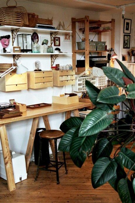 Jessica Barensfeld & Simon Howell — Freunde von FreundenFriends Of, Studios Spaces, Art Studios, Cool Workspaces, Work Spaces, Workspaces Homeinterior, Desks Organic, Of Friends, Jessica Barensfeld