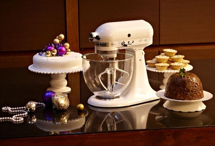 Make yummy Christmas treats with the classic @KitchenAid Canada