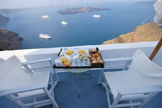 CHROMATA Hotel Santorini | Breakfast on our balcony