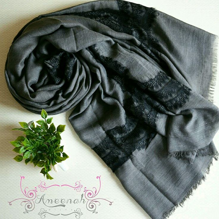 🍄Amaris Lace Scarf (Grey) 🍄Material : Cotto+Polyester+lace Exclusive Import 🍄Ukuran : 185x110 cm 🍄IDR 150.000  For order Line@ameenah_hijab BBM 598B233D Shipping : Bandung