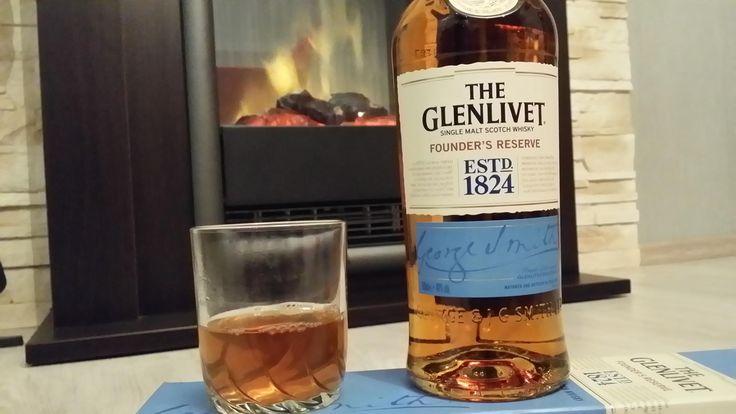 Wieczór w doborowym towarzystwie :) #TheGlenlivet #FoundersReserve #whisky https://www.facebook.com/photo.php?fbid=910280772381423&set=o.145945315936&type=3&theater