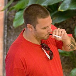 Kevin Federline - People Vaping, Electronic Cigarettes, Celebrities who made the switch. www.ViceVapes.com