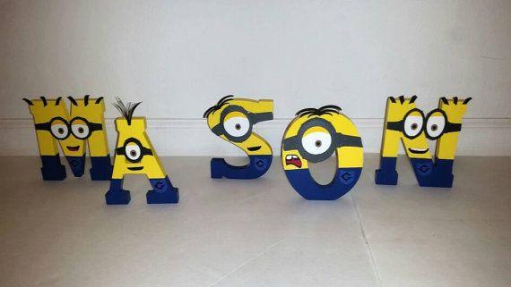 En bois lettres Minion Minion nom par VannessasCreations sur Etsy