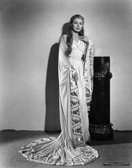 Oscar winners who also performed Shakespeare Greer Garson as Calpurnia in Julius Caesar, 1953.