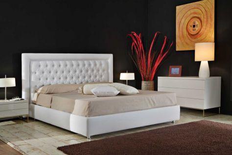 #letto in #pelle mod. #Chelsea . Porduzione #SantambrogioSalotti anche #suMisura