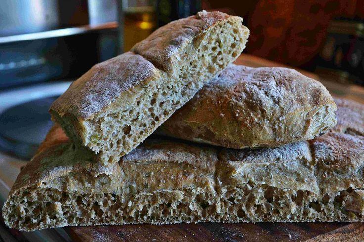 Långnäst bröd med färsk fänkål