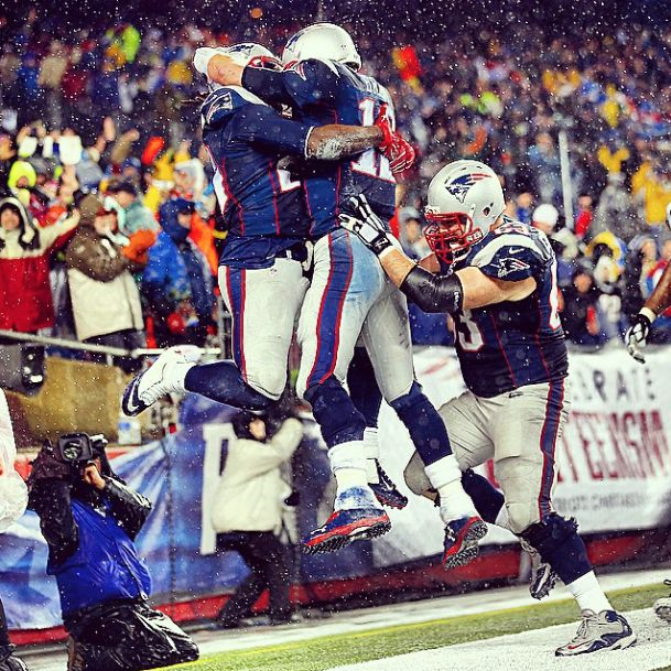 Tom Brady embraces LeGarrette Blount after a touchdown in the AFC Championship Game against Indianapolis Colts. Brady and Blount got 3 touchdowns each in a 45-7 win. #Patriots #Colts #NewEngland #TomBrady
