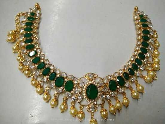 Gold Emerald Necklace Designs 2016, Latest Gold Emerald Necklace Models, Gold Emerald Necklace with South Sea Pearls.
