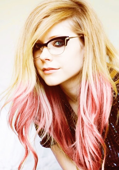 Avril lavigne. Again. Im just seriously in love with her hair