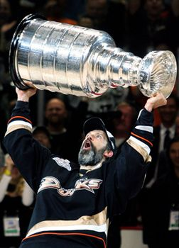 Niedermayer Inducted into Canadian Sports Hall of Fame - Anaheim Ducks - News