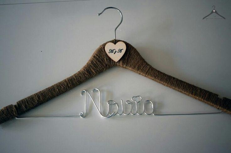 Percha personalizada de cuerda con corazón de madera