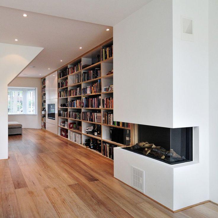 Boekenwand met open haard boekenkast pinterest stair shelves and book wall - Deco moderne open haard ...