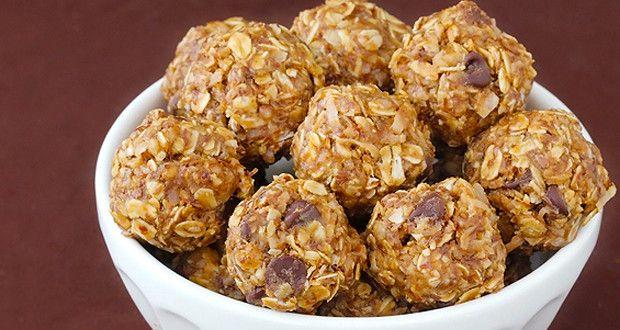 Camping Snack Recipes: No Bake Granola Bites. #campingsnacks #granolabites